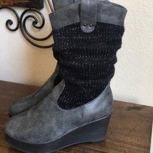 Muk Luks sweater platform boot